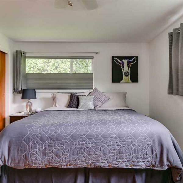 15_Master-Bedroom