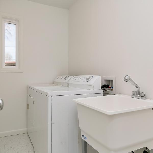 16_Laundry Room